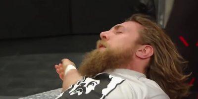 """Después de una serie de """"tumbas rompecuello"""", nada fue igual para Bryan Foto:WWE"""