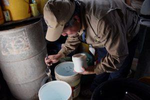 El agua estancada puede generar criaderos de mosquitos transmisores de enfermedades como el dengue y el Zika. Foto:AFP