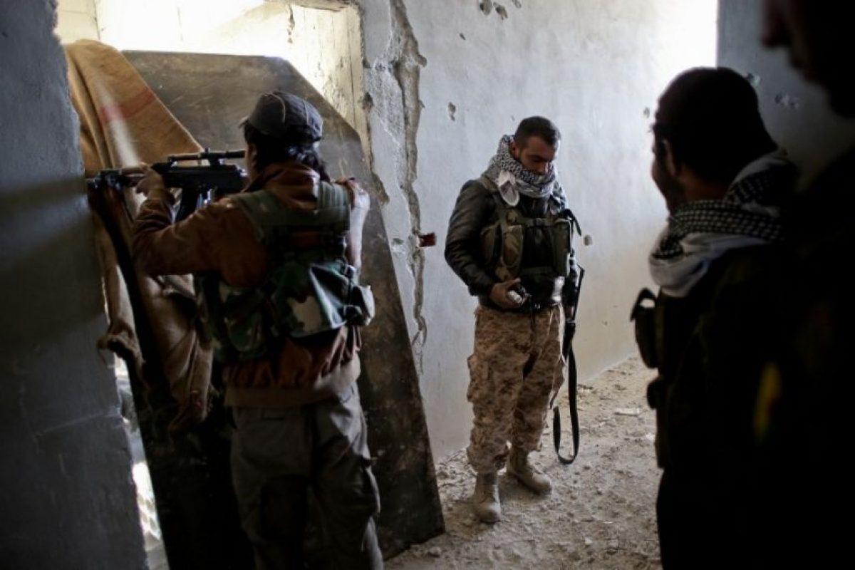 Imágenes de un combate contra las fuerzas del Estado Islámico (ISIS) en una zona de Siria. Foto:AFP
