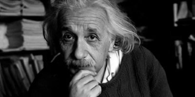 Albert Einstein predijo las ondas gravitacionales en su Teoría de la Relatividad. Foto:Twitter