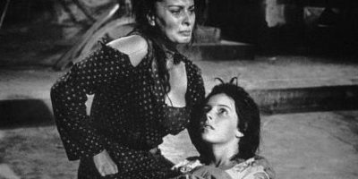 """Hasta que interpretó a una madre desgarrada en """"Dos Mujeres"""" y ganó el Oscar. Foto:vía Getty Images"""