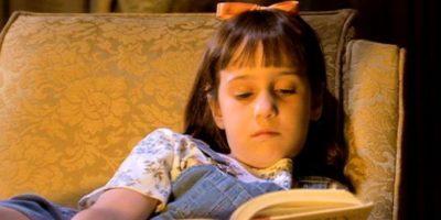 Matilda, de la obra que lleva su nombre. Genio en matemáticas y ávida lectora. Foto:vía TriStar