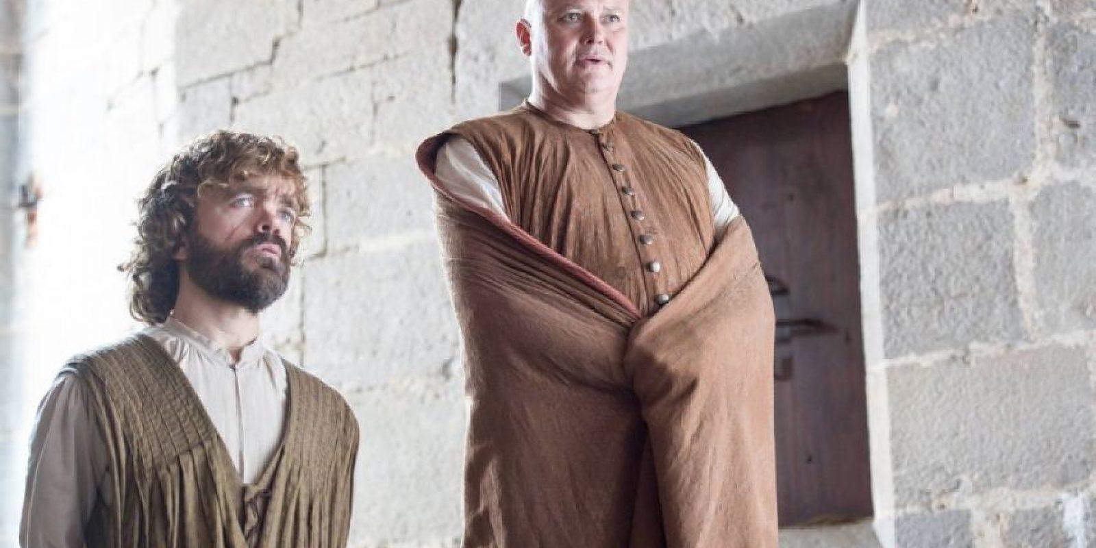 Tyrion Lannister y Varys se quedan gobernando luego de que Daenerys huye. Foto:Vía Facebook/Game of Thrones
