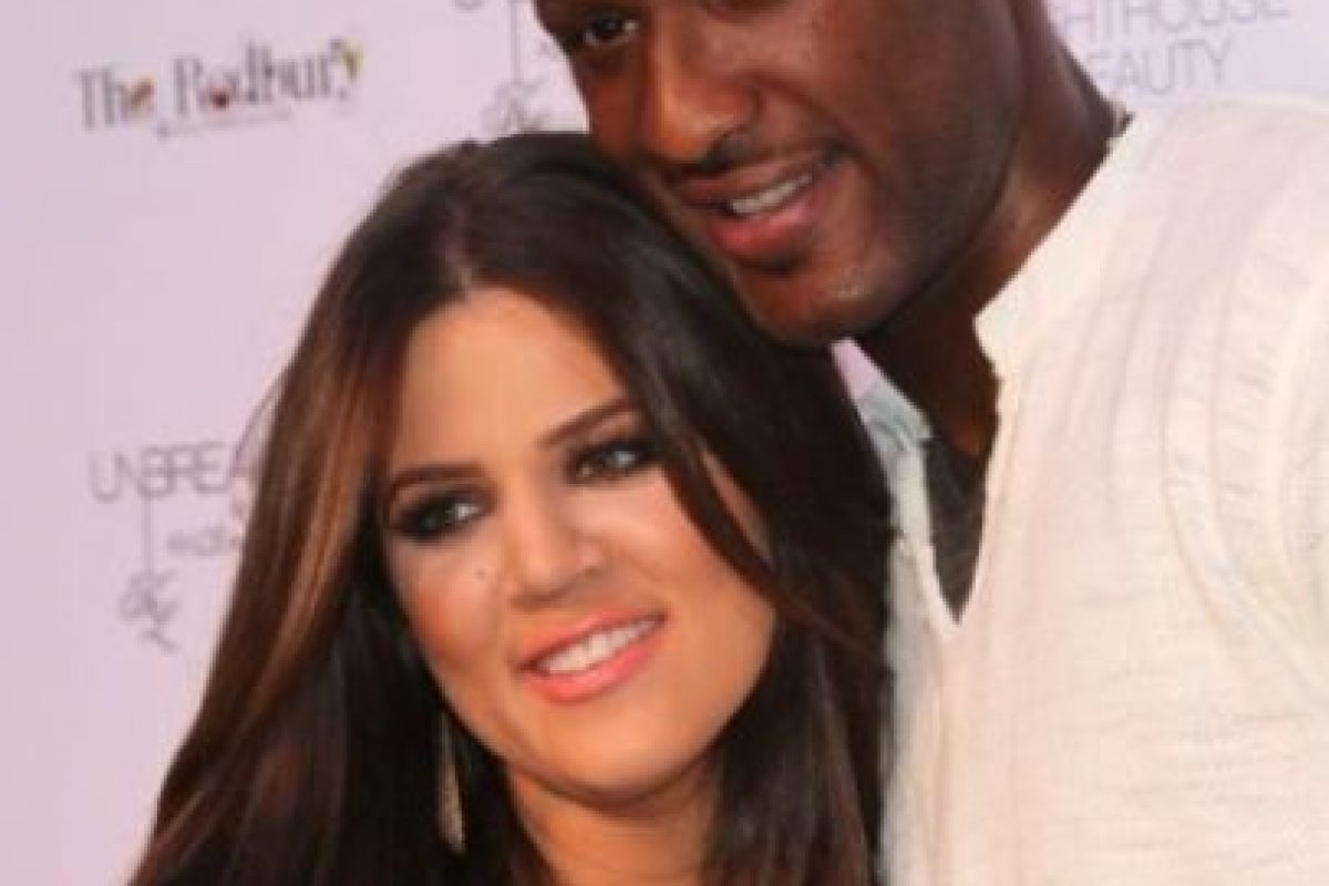 Después de casarse Khloé Kardashian se convirtió Khloé Kardashian Odom, y la pareja se tatuó las iniciales del otro en sus manos (LO&KO) Foto:Getty Images