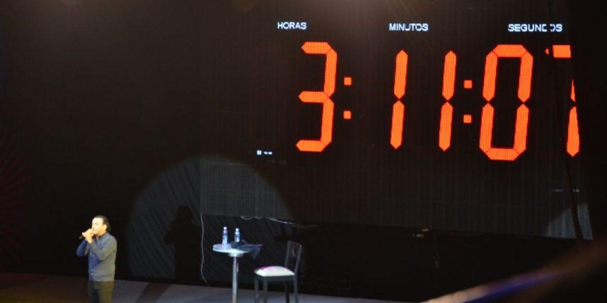 Adal Ramones rompe su récord del monólogo más largo