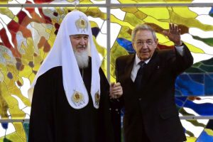 El patriarca Kirill y Raúl Castro en Cuba. Foto:AFP