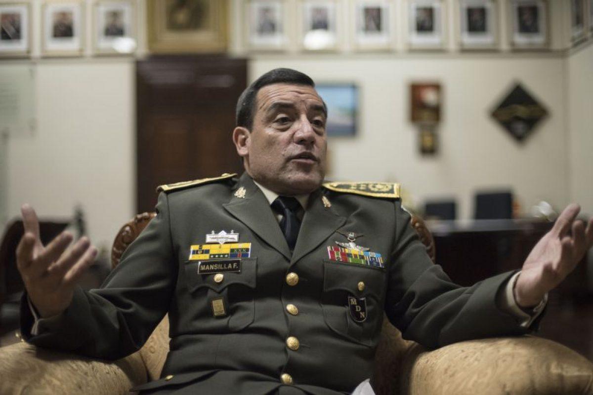 El ministro de la Defensa Williams Mansilla. Foto:Oliver de Ros