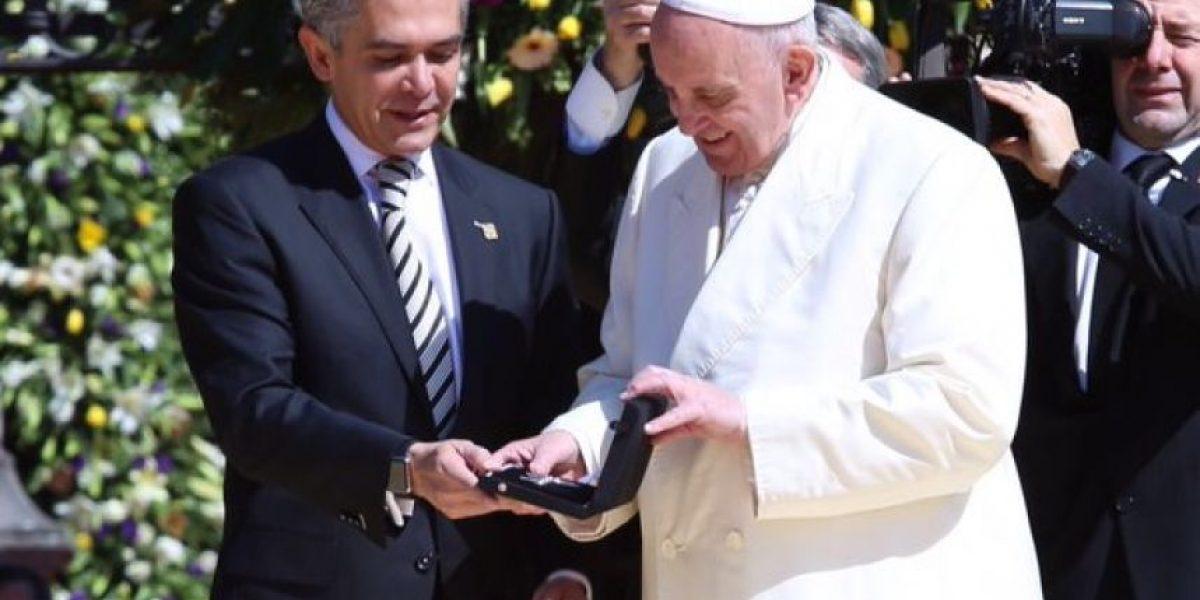 Papa Francisco recibe llaves de la Ciudad de México (2016)