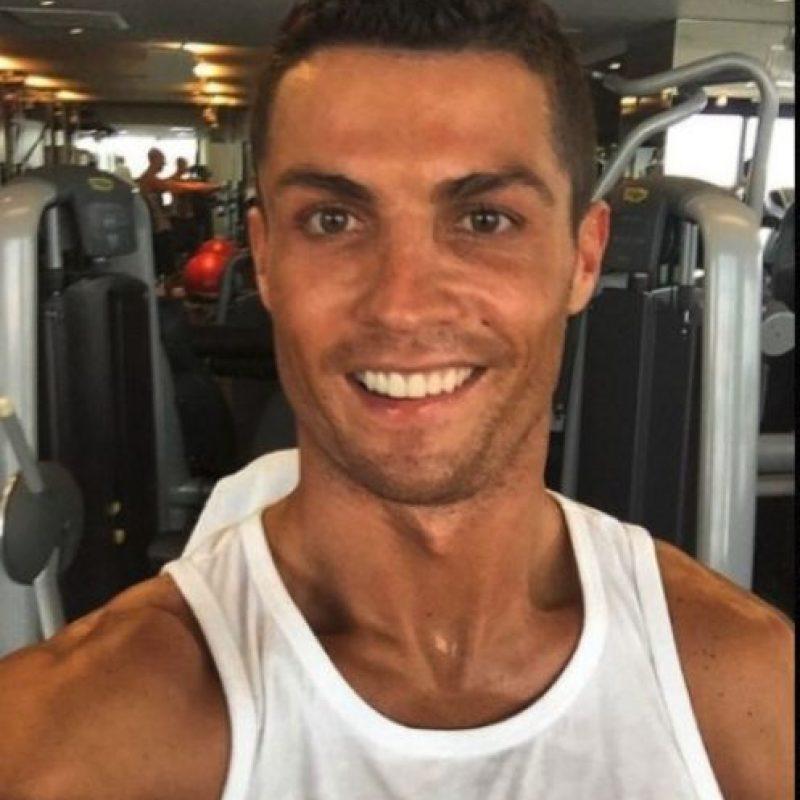 Una gran sonrisa de Cristiano Ronaldo en el gimnasio Foto:Vía Instagram/@Cristiano