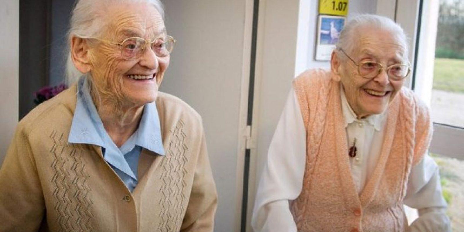 Las hermanas gemelas francesas, Paulette y Simone, cumplieron 208 años. Foto:@cnfocus