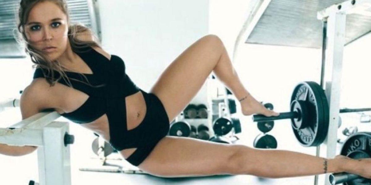 Ronda Rousey triunfa con body paint en la portada de