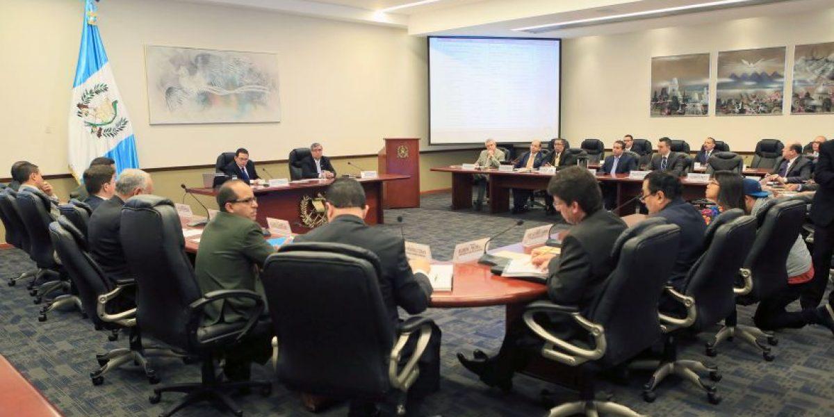 Un mes después de haber tomado posesión, Morales presenta su política de gobierno