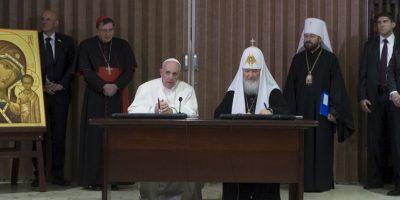 Con quien firmó una histórica declaración conjunta tendiendo puentes entre ambas iglesias. Foto:AP