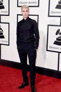 Bonus track: Justin Bieber. Increíble de negro. Foto:vía Getty Images