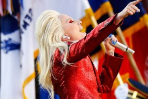 Lady Gaga se encargará del homenaje musical a David Bowie. Foto:Getty Images