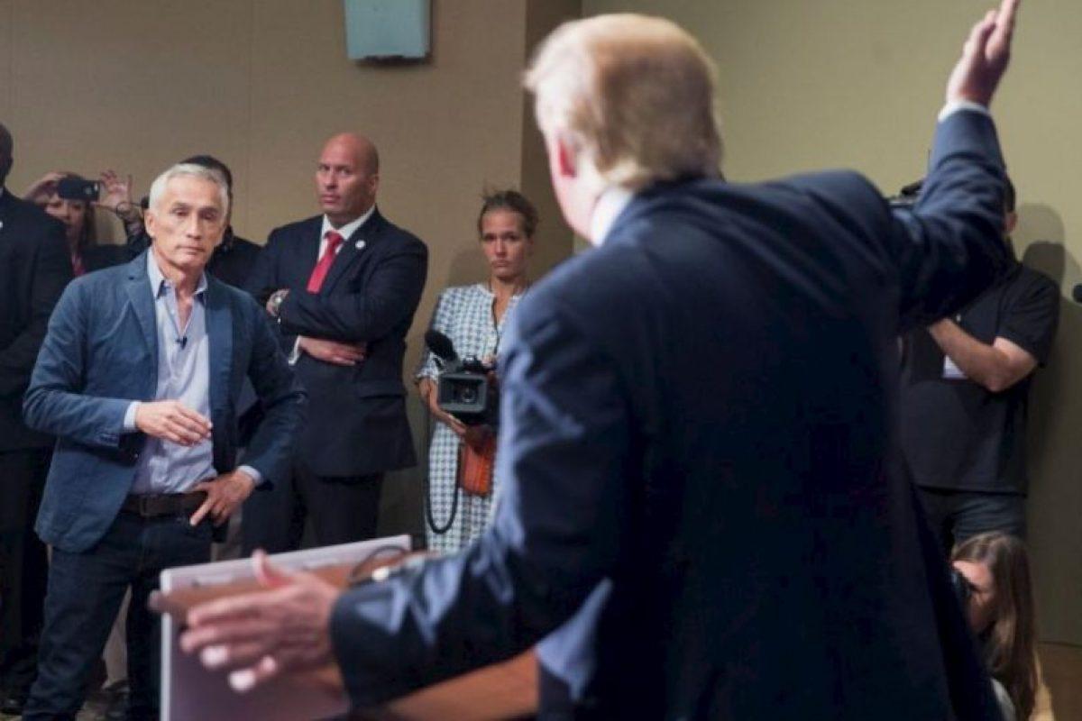 """2. Es conductor del programa semanal """"Al Punto"""". Foto:Getty Images"""