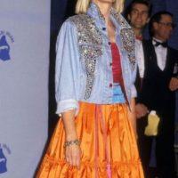 Olivia Newton John, entre hippie y rockera. Y todo salió mal. Foto:vía Getty Images