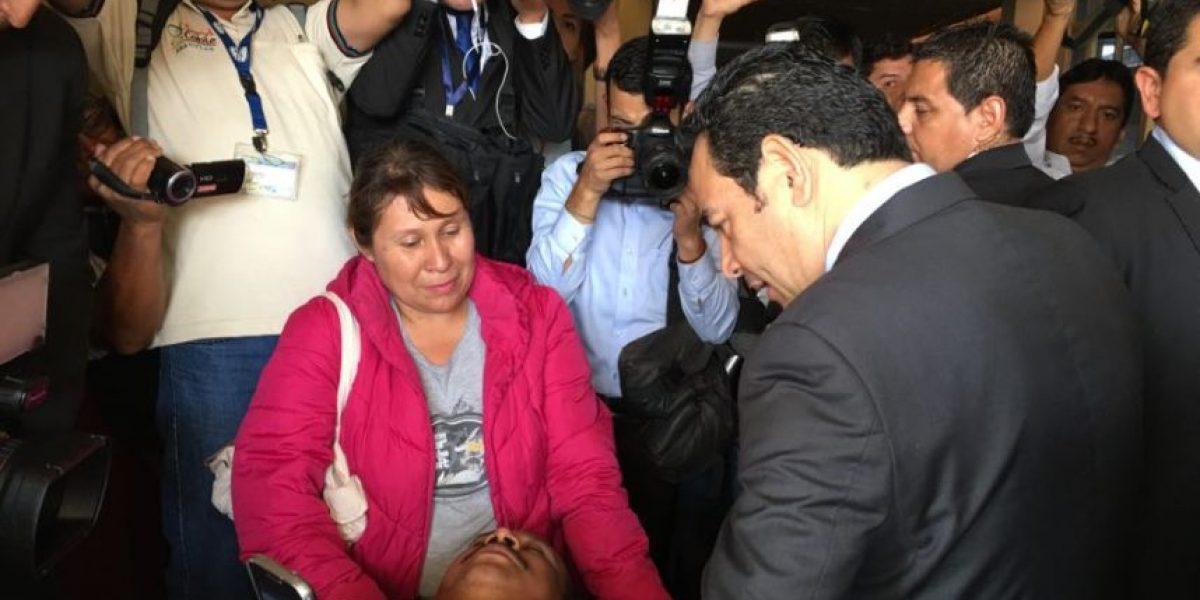 Esto les preguntó Morales a los pacientes del Hospital Nacional de Amatitlán