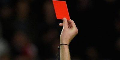 Jugador de fútbol asesina a árbitro por expulsarlo