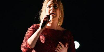¿Por qué Adele cantó tan mal durante los Grammys 2016?
