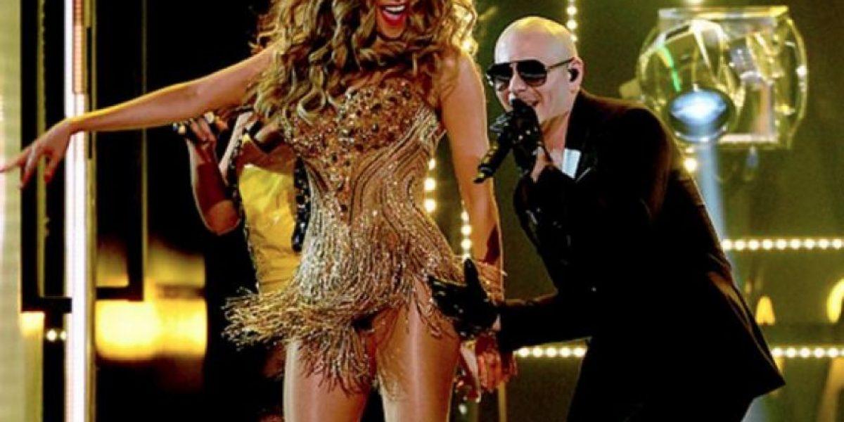 """Sofía Vergara bailó """"El taxi"""" con Pitbull en los Grammys 2016"""