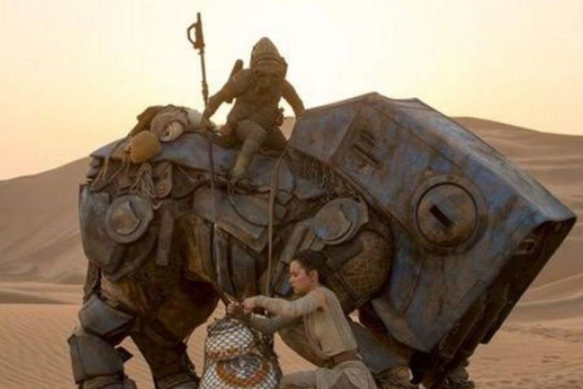 """""""El Desperpertar de la Fuerza"""" logró superar los mil millones de dólares durante el fin de semana de Navidad Foto:""""Lucas Films"""""""