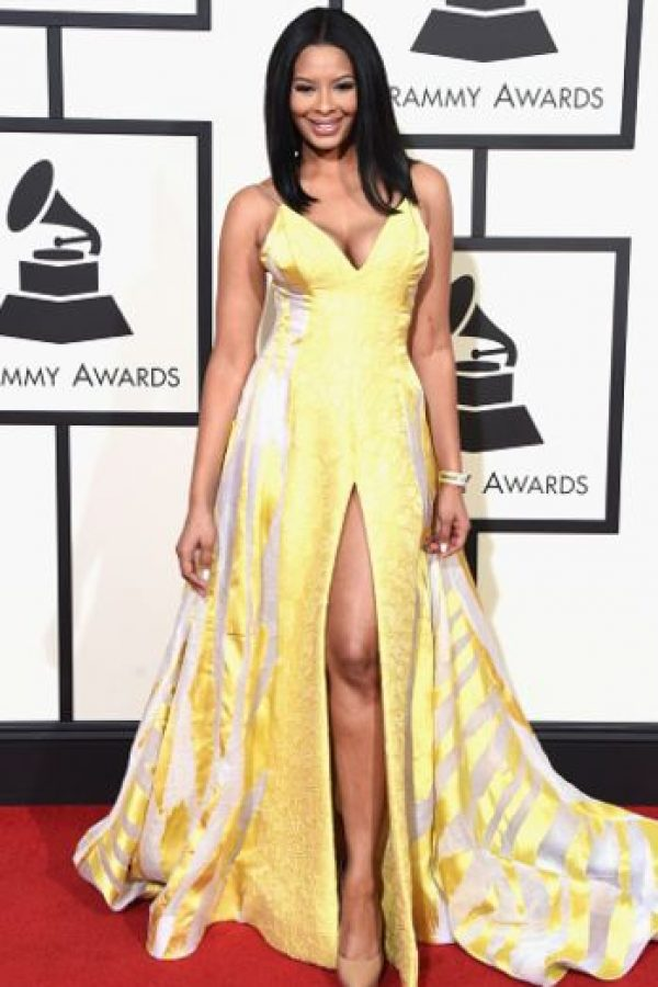 Vanessa Simmons, con la nueva tendencia en sombrillas para 2016. Foto: vía Getty Images