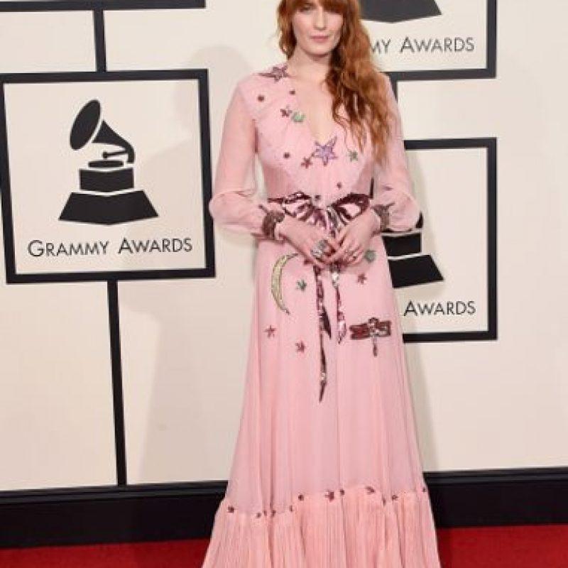 Florence Welch en un claro homenaje a los 70, pero bastante trashy. Foto:vía Getty Images
