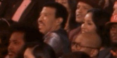 10. Lionel Richie resistiéndose a cantar en el tributo a sus canciones. Foto:Vía Youtube TNT