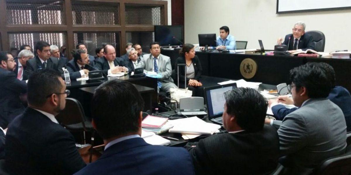 Juez Miguel Gálvez deja en libertad al abogado de empresa señalada de fraude y a intendente de la SAT