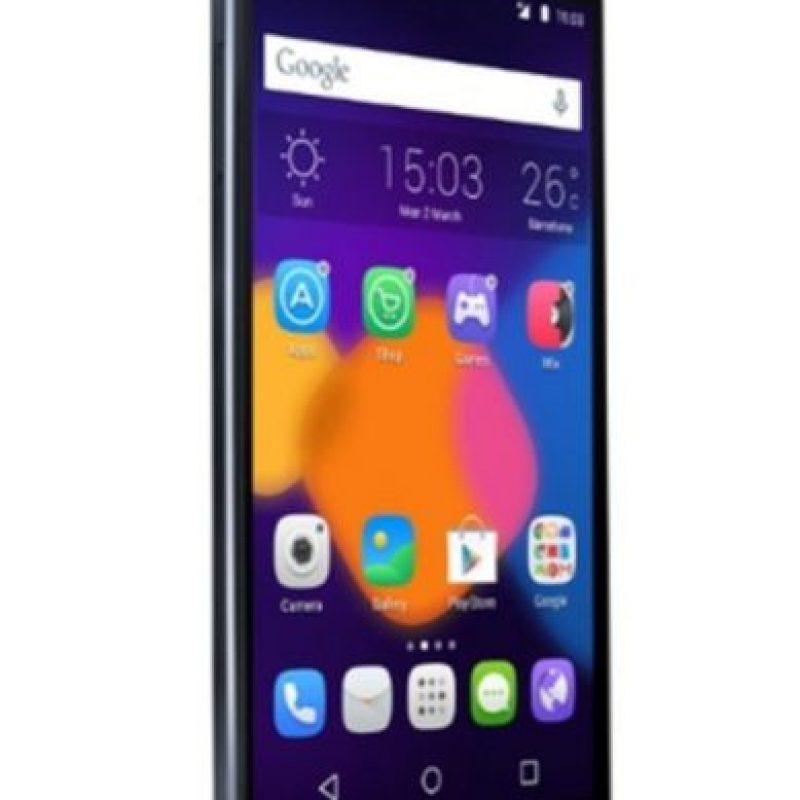 Alcatel con el Alcatel One Touch Idol 3. Foto:Alcatel