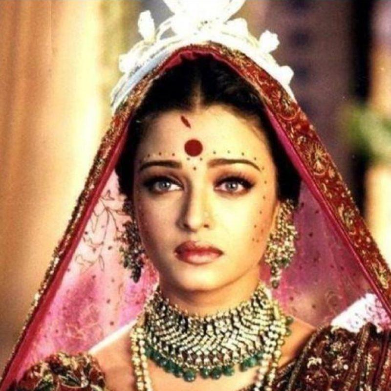 """El mundo la descubrió con la película """"Devdas"""", que se presentó en el Festival de Cannes de 2002. Foto:vía Yash Raj Productions"""