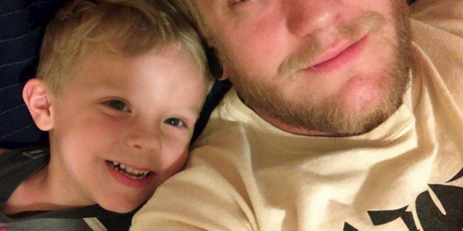 Paul Henson es un papá muy complaciente y lo demostró publicando una foto de su hijo Caiden en Facebook. Foto:vía Imgur