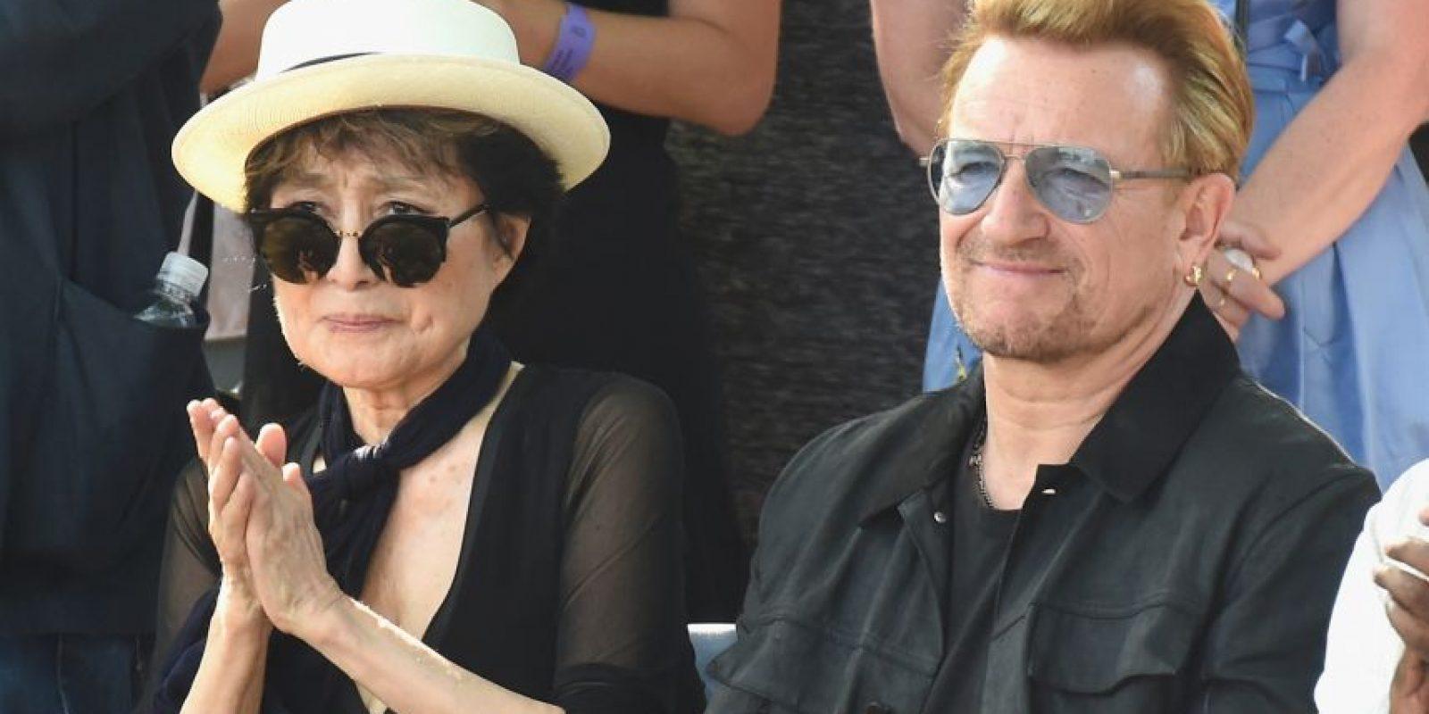 Yoko y Bono, vocalista de U2 Foto:Getty Images