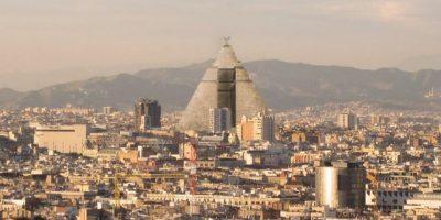 """""""Gran Pirámide de Meereen"""" (""""Juego de Tronos"""") en Barcelona. Foto:@sefipolis"""
