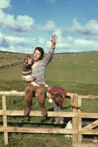 Paul y James McCartney. El ex Beatle heredó genes y talento musical a su único hijo, Foto:Vía facebook.com/paulmccartney