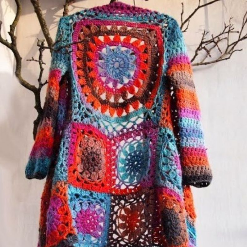 Porque nada más elegante que ser hippie colorida y artificial. Foto: vía Rose Wholesale