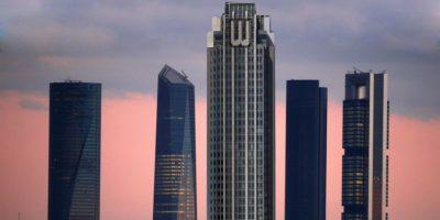 """La Torre Wayne (""""Batman"""") en el Cuatro Torres Business Area (CTBA) de Madrid. Foto:@sefipolis"""