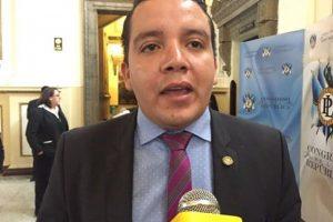 """Diputado José Hernández, de UCN, plantea multa por """"encandilar"""". Foto:EU"""