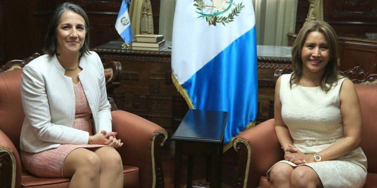 Primera dama también se estrena como anfitriona diplomática