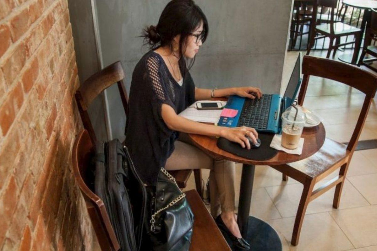 9. Si cuentan con router viejo, pueden crear un repetidor de señal que fortalezca su Wi-Fi. Este método no acelerá la conexión, pero quizás puedan tener red en lugares de su hogar donde antes no tenían. Foto:Getty Images