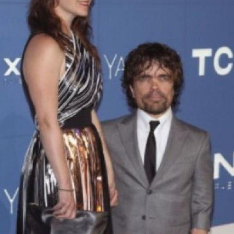 Peter Dinklage y Erica Schmidt. Foto:Getty Images