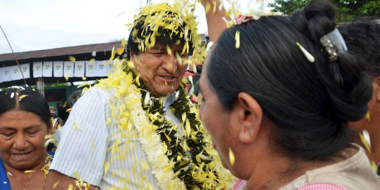El presidente de Bolivia durante la jornada electoral Foto:AP