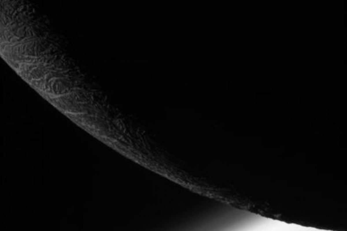 1. Científicos discuten la posibilidad de vida extraterrestre en Saturno Foto:Twitter.com/CassiniSaturn