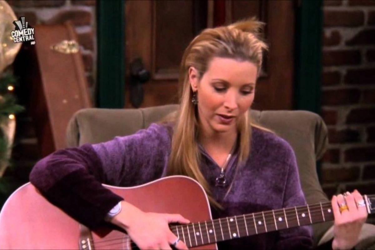 Phoebe, a lo suyo. Excéntrica. Foto:NBC