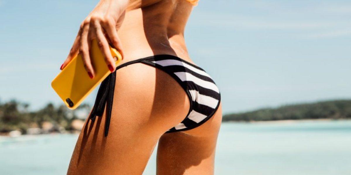 La brasileña Miss Bumbum muestra lo que está debajo de su biquini