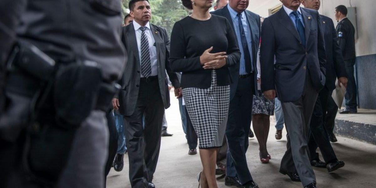 Juez unifica caso La Línea, Otto Pérez y Roxana Baldetti se volverán a encontrar