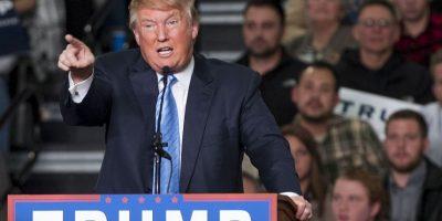 """El reportero con discapacidad Serge F. Kovaleski, quien ahora trabaja en el """"New York Times"""", escribió aquel artículo y corrigió a Donald Trump. Fue cuando Trump se burló de esta forma de su condición física. Foto:Getty Images"""
