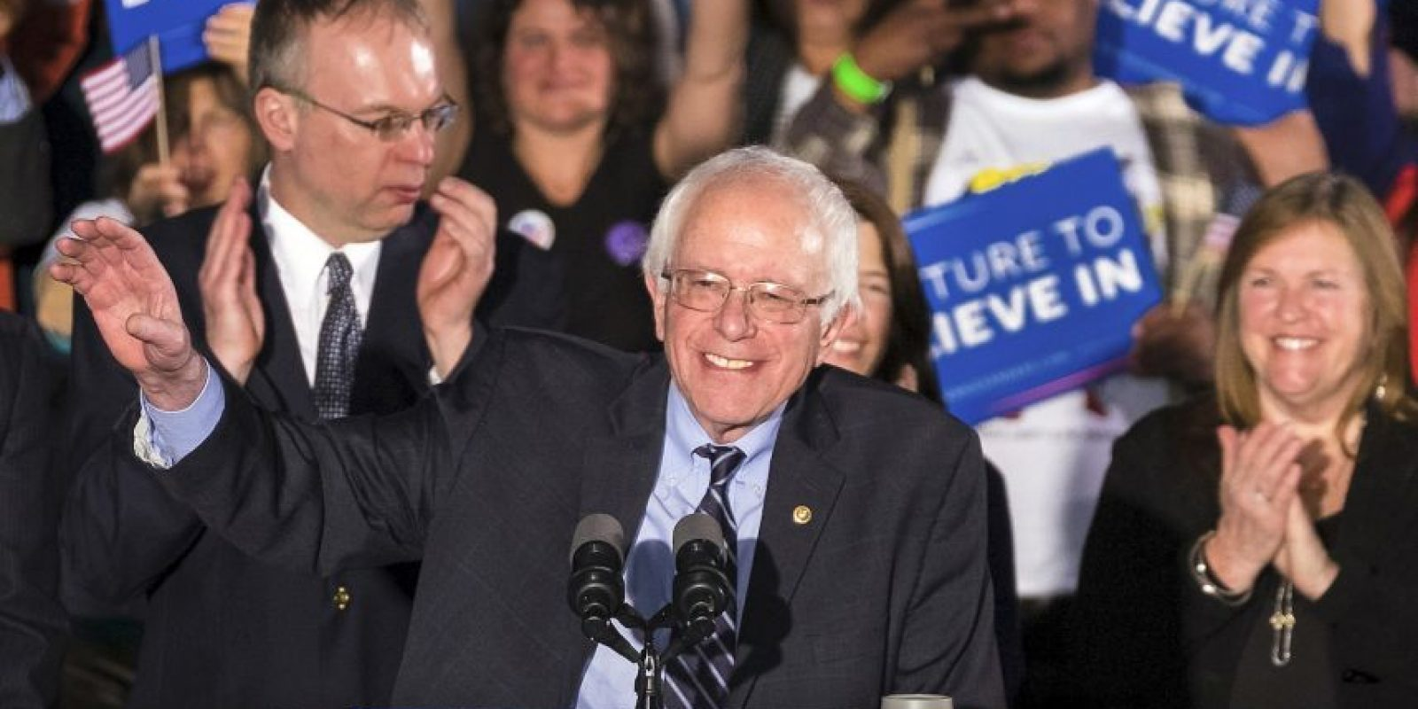 Bernie Sanders. A pesar de sus segundos lugares se mantiene en números cercanos a los de su única rival demócrata. Foto:AP