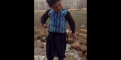 Después de portar con orgullo una camiseta de Lionel Messi hecha con una bolsa de plástico Foto:Twitter.com
